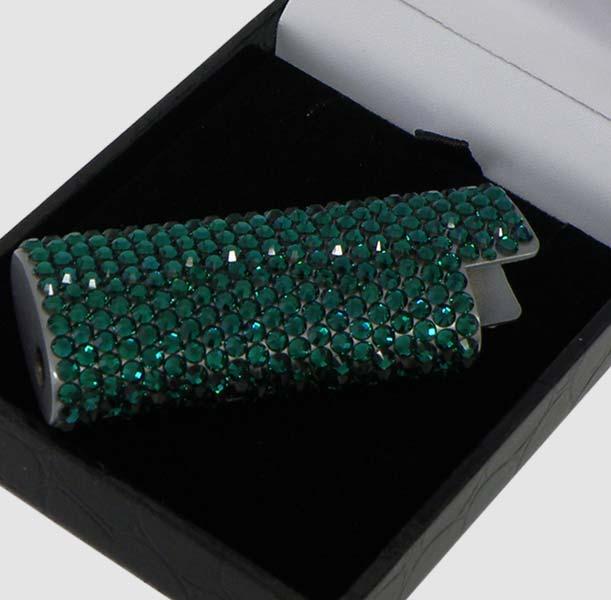 Дизайн: line crystals - crystal код: lgc-21 описание: bic lighter case with swarovski crystals размер